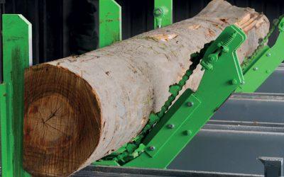 Mecanismo de girar troncos com corrente adaptável