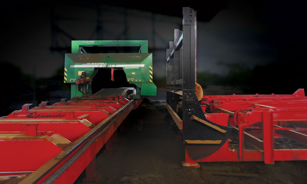 Sawing line in Surinam - EXTREME sawing line for large logs